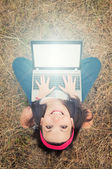 Girl with a laptop — Stockfoto
