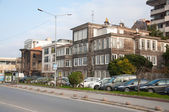 Old wooden houses in Istanbul. — Foto de Stock
