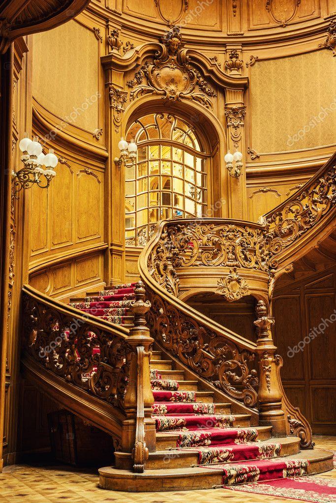 Escaleras de madera antiguas fotos de stock 50005301 for Imagenes de escaleras de madera