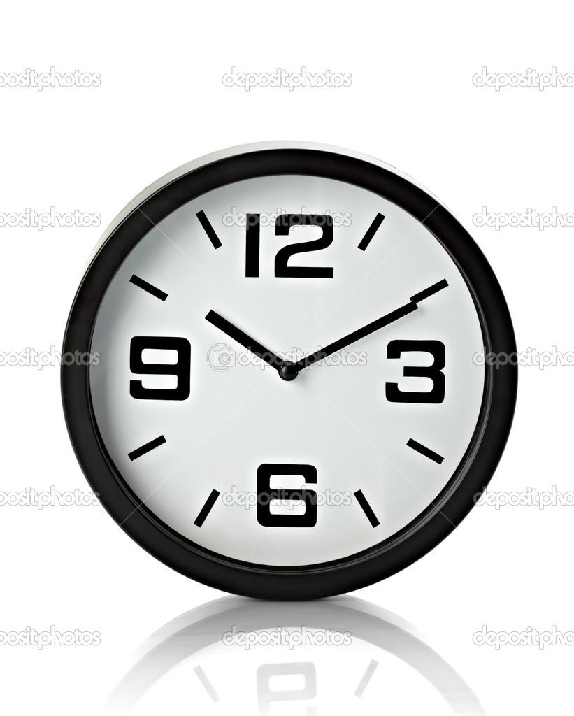办公室时钟与剪切路径在白色背景上的关闭 — 照片作者 picsfive