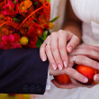 Couple at wedding, bride and groom close-up hands with rings — Stock Photo