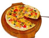 Cetriolo isolato pizza un pasto di cibo bianco formaggio pomodoro italiano — Foto Stock