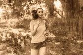 Mladá bruneta běžec žena běh venku, vyhledávání životní styl — Stock fotografie