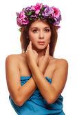 Model beautiful woman face close-up head beauty, wreath of flowe — Stock Photo