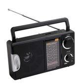 Rádio preto isolado no fundo branco — Fotografia Stock