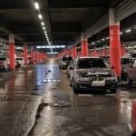 Underground parking in the shopping center Auchan, St. Petersburg, Russia — Stock Photo