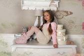年轻漂亮的姑娘梦想的圣诞 — 图库照片