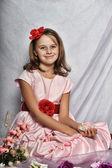 Elegant portrait of gorgeous young girl — Stock Photo