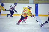 Children playing hockey on a city tournament St. Petersburg, Russia — Foto Stock
