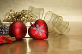 Christmas heart bauble background — Stok fotoğraf