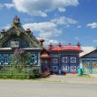 The unusual house in the Russian village — Stock Photo