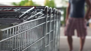 Pulling Out Shopping Cart — Stok video