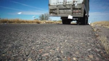 Dálnice silničních truck odpadky — Stock video