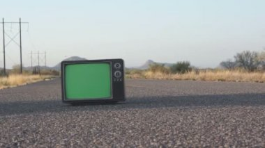 Retro TV on Highway Dolly — Stock Video