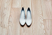 Wedding shoes for the bride — Stock Photo