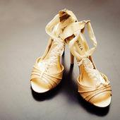 Elegant wedding shoes — Stock Photo