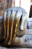 Statue of a giant Buddha's hand in the Historical Park of Sukhothai — Stock Photo