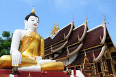 Ancient wat in Chiang Mai, Thailand — Stock Photo