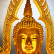 Golden buddhhead statue in Thailand — стоковое фото #37881241