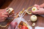 苹果削皮 — 图库照片