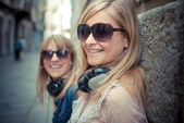 Two beautiful blonde women — Stock Photo