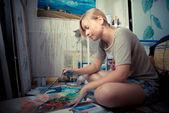 Beautiful blonde woman painter — Stock Photo