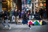 Breakdancer guys in Milan dancing in the street — Stok fotoğraf