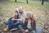 Couple  playing serenade with guitar — 图库照片