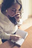 Женщина, работающая — Стоковое фото