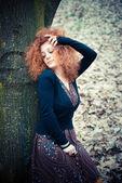 Mujer de pelo rizado — Foto de Stock