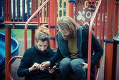 Par usando la tableta — Foto de Stock