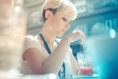 Short hair hipster woman — Foto de Stock