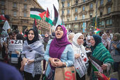 Pro palestine manifestation in milan on july, 26 2014 — Stock Photo