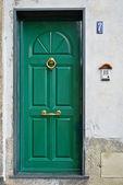 Zelený dveře — Stock fotografie