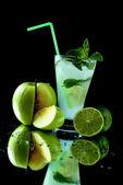 Apple mojito cocktail — Stock Photo