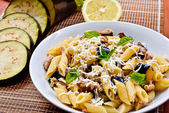 Pasta with eggplant, tuna and mint — Stock Photo