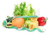 Dieet gewicht verlies ontbijt concept met tape wor — Stockfoto
