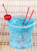 Cocktail hawaiano blu con alcool — Foto Stock