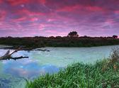 Colorido amanhecer no rio — Foto Stock