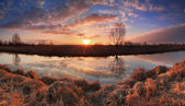 Colorfull surise under the river in spring — Stock Photo