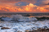 Stormy sunset on a tropical sea — Stock Photo