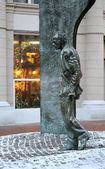 Monument Bulat Okudzhava on Arbat Street in Moscow — Stock Photo