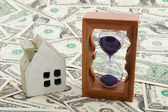 House model and hourglass — Stock Photo