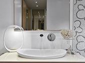 Detail umyvadlo v moderní koupelně — Stock fotografie