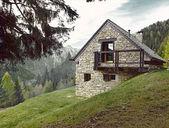 Włoski dom kamienny — Zdjęcie stockowe