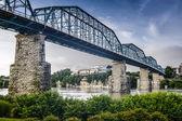 Coolidge Park and Walnut Street Bridge — Stock Photo