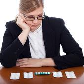 Žena výběr léčiv — Stock fotografie