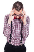 Homem nerd com dor de cabeça — Foto Stock