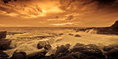 Dramatic colorful ocean sunset — Stock Photo