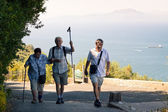 Happy tourists on the Rock of Gibraltar — Stock Photo